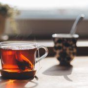 Czy pokrzywa to tylko chwast? Sprawdź, jak herbata z pokrzywy wpływa na organizm człowieka