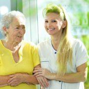 Jak zrozumieć seniora z demencją?