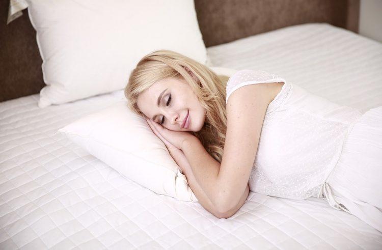 Poduszka – podstawą komfortowego i zdrowego snu